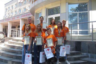 yunye-zaporozhczy-otlichno-spravilis-so-spaseniem-postradavshih.jpg