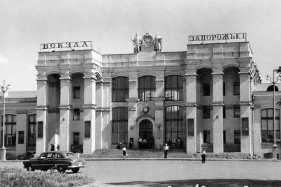 z-privokzalnod197-ploshhi-zaporizhzhya-zbirayutsya-demontuvati-kioski.jpg