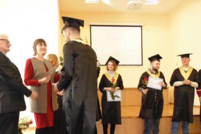z-zaporizkogo-vishu-vipustilisya-ponad-100-diplomovanih-biologiv.png