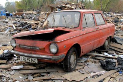 zabytyj-zaz-za-rubezhom-obnaruzhili-kladbishhe-avtomobilej-sovetskogo-avtoproma-foto.jpg