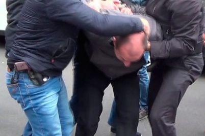 zapihnuli-v-bagazhnik-i-uvezli-v-zaporozhe-ukrali-cheloveka-foto.jpg