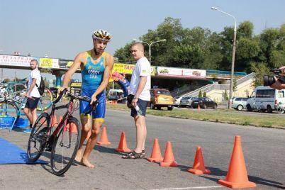 zaporizki-sportsmeni-gotuyutsya-do-masshtabnih-zmagan-z-triatlonu.jpg
