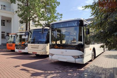 zaporizkij-avtozavod-stvoriv-shkilni-avtobusi-dlya-gromad-oblasti.jpg