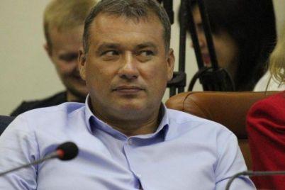 zaporizkij-deputat-yakij-sumuvav-za-separatistom-motoroloyu-zadeklaruvav-novij-avtomobil.jpg