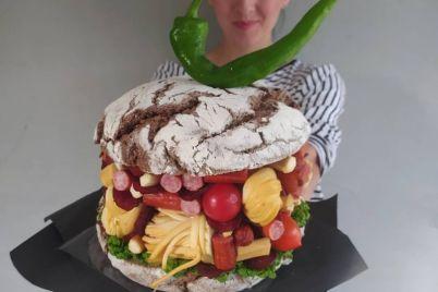 zaporozhanka-sdelala-burger-vesom-dva-kilogramma-foto.jpg