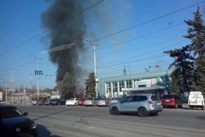 zaporozhczev-napugal-chernyj-dym-v-rajone-avtovokzala-foto.jpg
