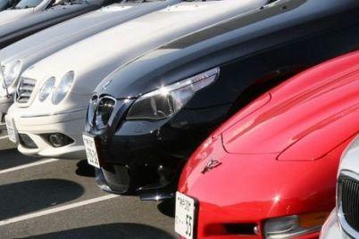 zaporozhczy-vladeyushhie-elitnymi-avto-zaplatili-bolee-4-millionov-transportnogo-naloga.jpg