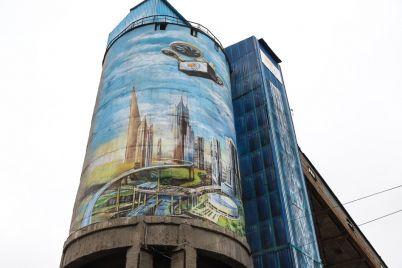 zaporozhe-v-budushhem-v-granitnom-karere-sozdali-samyj-bolshoj-mural-v-ukraine-foto-1.jpg