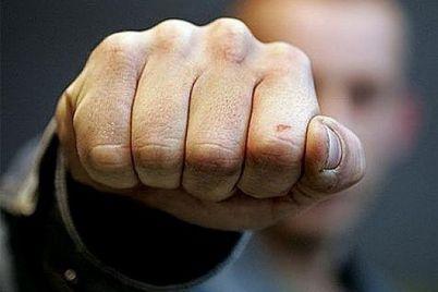 zaporozhecz-izbil-svoego-15-letnego-syna-i-pytalsya-ego-zadushit-foto.jpg