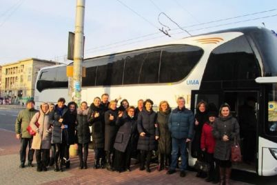 zaporozhskaya-filarmoniya-budet-ezdit-na-gastroli-na-sovremennom-avtobuse-foto.jpg