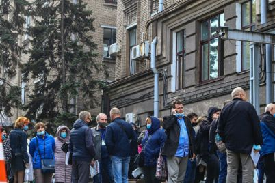 zaporozhskaya-gorodskaya-izbiratelnaya-komissiya-uspela-obrabotat-tolko-13-protokolov.jpg
