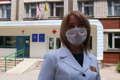zaporozhskaya-vrach-dve-nedeli-zhila-otdelno-ot-semi-poka-lechila-koronavirusnyh-bolnyh.jpg