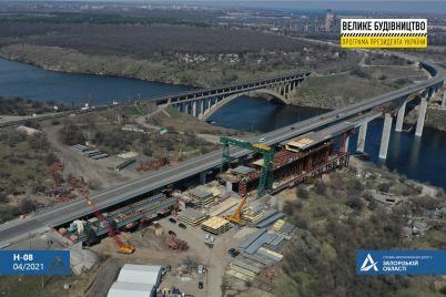 zaporozhskie-mosty-mostostroiteli-sdelali-vazhnyj-shag-v-stroitelstve-avtotransportnoj-magistrali-foto.jpg