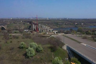 zaporozhskie-mosty-podryadchik-perehodit-k-osnovnym-stroitelnym-rabotam-foto.jpg