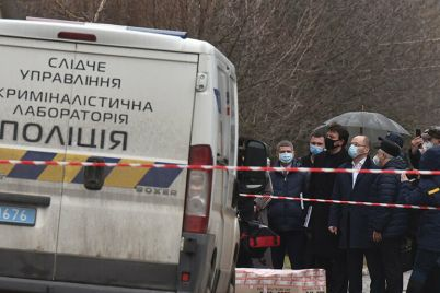 zaporozhskie-policzejskie-otrabatyvayut-tri-versii-pozhara-v-infekczionnoj-bolnicze.jpg