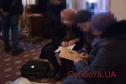 zaporozhskie-pravoohraniteli-zaderzhali-dvuh-materej-kotorye-ispolzovali-svoih-detej-dlya-suemok-pornografii-foto.jpg