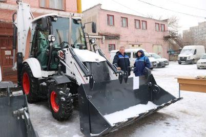 zaporozhskie-teploseti-poluchili-novuyu-tehniku-foto-video.jpg