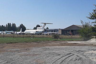 zaporozhskij-aeroport-poteryaet-5-millionov-iz-za-remonta-vzletki.jpg