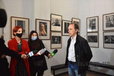 zaporozhskij-fotograf-pokazal-vpechatlyayushhie-snimki-sdelannye-na-gorodskih-uliczah.jpg