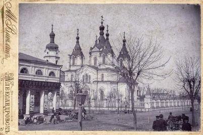 zaporozhskij-kraeved-pokazal-kak-sto-let-nazad-vyglyadela-czentralnaya-ulicza-starogo-aleksandrovska.jpg