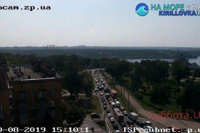 zaporozhskij-most-skovala-probka-fotofakt.jpg
