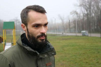 zaporozhskij-park-oblyubovali-papa-s-dochkoj-i-prihodyat-syuda-chut-li-ne-kazhdyj-den.jpg
