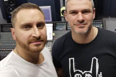 zaporozhskij-pevecz-arsen-mirzoyan-zapisal-sovmestnyj-duet-s-liderom-gruppy-skaj.jpg
