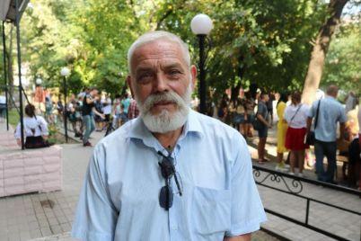 zaporozhskij-skulptor-ukrasil-gorod-v-kitae-i-poluchil-nagradu.jpg