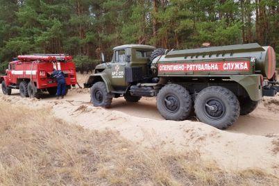 zaporozhskij-spasatel-lesnoj-pozhar-v-luganskoj-oblasti-byl-pohozh-na-ognennyj-shkval.jpg