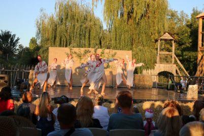zaporozhskij-teatr-pokazal-ukrainskih-romeo-i-dzhulettu-foto.jpg