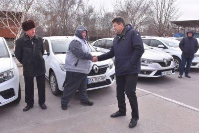 zaporozhskij-vodokanal-poluchil-czeluyu-kolonnu-novoj-sovremennoj-tehniki-video.jpg