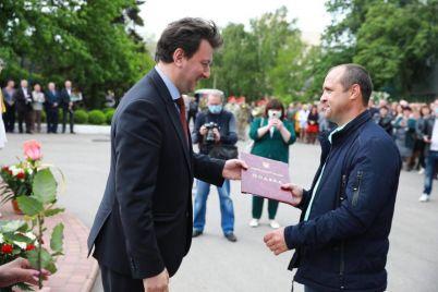 zaporozhskoe-predpriyatie-prazdnuet-76-j-den-rozhdeniya.jpg