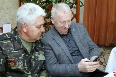 zaporozhskogo-veterana-pogranvojsk-nagradili-ordenom.jpg