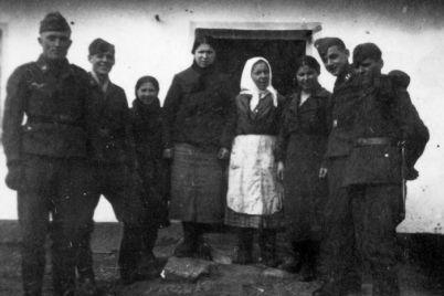 zaporozhtsyi-fotografirovalis-vmeste-s-gitlerovtsami-vo-vremya-okkupatsii-istoricheskiy-fakt.jpg