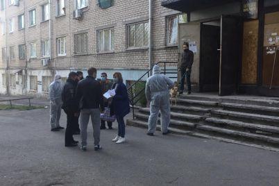 zarazivshayasya-covid-19-medsestra-8-dnej-temperaturila-v-obshhezhitii-zhilczy-foto-video.jpg