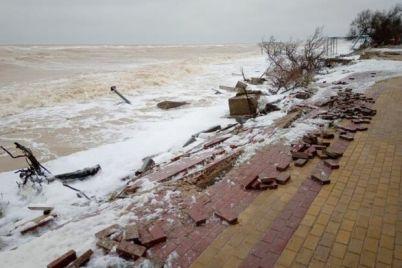 zatoplennye-bazy-i-razrushennaya-naberezhnaya-chto-natvoril-shtorm-v-kirillovke.jpg