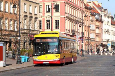 zavlekut-turistov-v-avtobusah-varshavy-budut-pokazyvat-video-pro-ukrainu.jpg