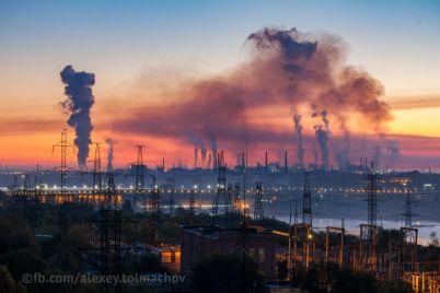zavodskoj-dym-do-astmy-zaporozhskij-fotograf-snyal-vpechatlyayushhie-kadry-promzony-foto.jpg