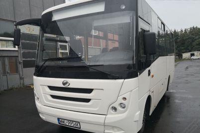 zaz-novi-avtobusi-vidpravlyad194-polskomu-distribyutoru-foto.jpg