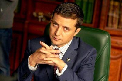 zelenskij-hochet-uznat-chto-to-vazhnoe-v-den-mestnyh-vyborov-ukrainczam-ustroyat-soczopros.jpg