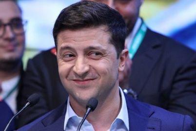 zelenskij-podpisal-zakon-ob-otmene-deputatskoj-neprikosnovennosti.jpg