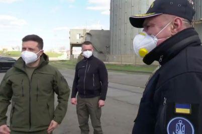 zelenskij-posetil-port-v-berdyanske-video.jpg