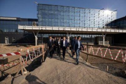 zelenskij-potreboval-zakonchit-novyj-terminal-aeroporta-zaporozhe-k-dekabryu.jpg