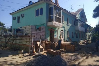 zhitel-zaporozhya-pristroil-k-kvartire-v-mnogoetazhke-komnatu-fotofakt.jpg