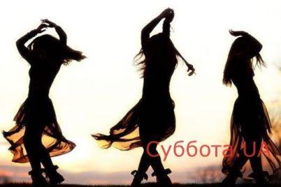 zhitelej-zaporozhya-pozabavila-devushka-kotoraya-stanczevala-pryamo-posredi-uliczy-video.jpg