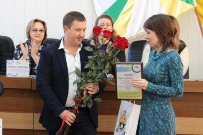 zhiteli-i-gosti-stoliczy-mogut-zaochno-poznakomitsya-s-luchshim-uchitelem-ukrainy.jpg