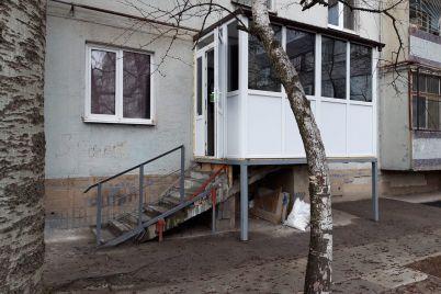 zhiteli-zaporozhya-postroili-v-mnogoetazhke-czar-balkon-s-otdelnym-vyhodom-foto.jpg