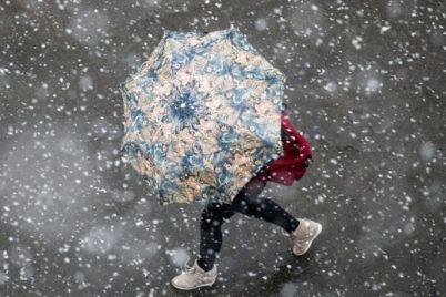 zima-ne-vidstupad194-zaporizhczyam-prognozuyut-snig-z-doshhem.jpg