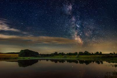 zvezdnoe-nebo-nad-golovoj-zaporozhskij-fotograf-zapechatlel-mlechnyj-put-foto.jpg