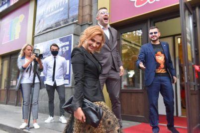 zvezdy-i-krasnaya-dorozhka-kak-v-zaporozhe-otkryli-kinofestival.jpg